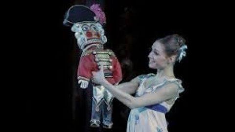 Free Stream via OperaBook NUTCRACKER Tchaikovsky. Russian State Ballet & Opera House